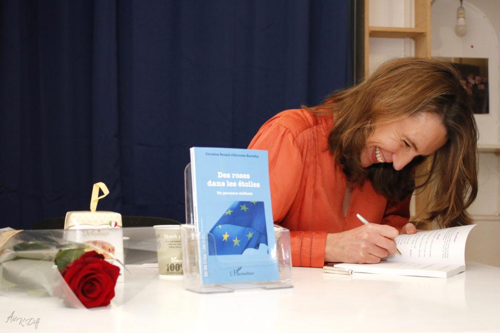 Dédicace du livre de Christine Revault D